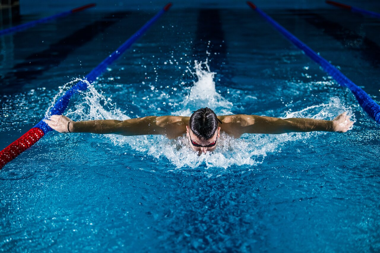 Swimming Statistics UK 2021: How Popular is Swimming in the UK?